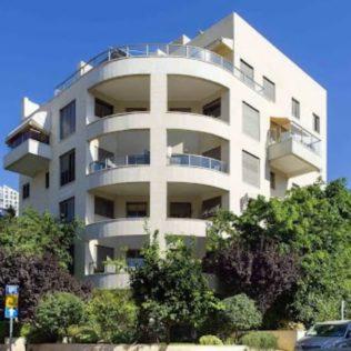 בניין 5 קומות רחוב המעורר גבעתיים